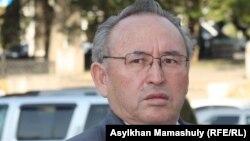 Ақын Несіпбек Айтұлы.