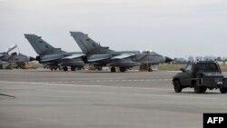 Թուրքիա - Գերմանական Tornado օդանավերը Ինջիրլիք ռազմակայանում, արխիվ
