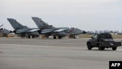 Գերմանական Tornado ինքնաթիռները Թուրքիայի «Ինջիրլիկ» ռազմակայանում, արխիվ