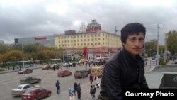 Акси Фарид (Фаридун) Давлатов, яке аз эътирозгарон