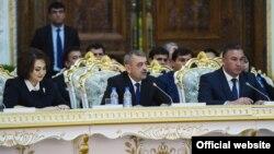 На встрече с президентом присутствовали и чиновники этой сферы