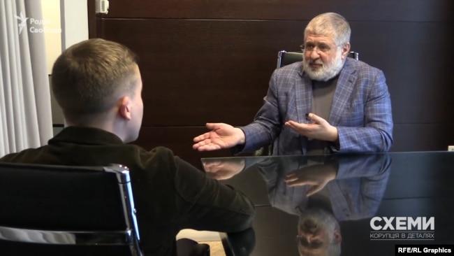 А на зустрічі із Хомутинніком, за словами олігарха, обговорювали перспективи партії «Відродження»