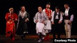 Последните Македонци, театарска претстава.
