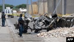 Последствия одной из атак террористической группировки «Аль-Шабаб» в соседней с Кенией Сомали.