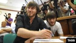 Джабраил и Ибрагим Махмудовы, предполагаемые соучастники убийства Анны Политковской, в Мосгорсуде