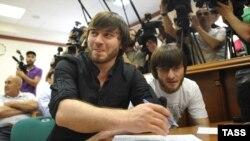 Обвиняемые по делу об убийстве Анны Политковской - братья Джабраил и Ибрагим Махмудовы