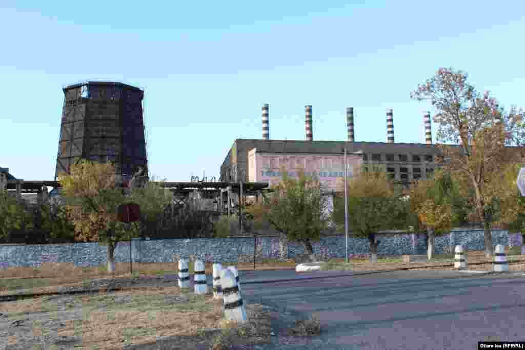 Кентаудағы жылу электр орталығы - қала халқын жұмыспен қамтып отырған үлкен кәсіпорын саналады. Тұрғындардың айтуынша, орталық 5 ай істеп, 7 ай жұмысы тоқтап тұрады.