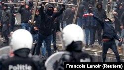 Membri ai extremei drepte la protestul de la Bruxelles