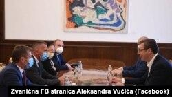 """Presidenti i Serbisë, Aleksandar Vuçiq me përfaqësuesit e listës """"Alternativa Demokratike Shqiptare - Lugina e Bashkuar"""". Beograd, 14 korrik 2020."""
