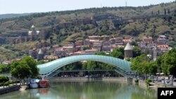 Pamje nga pjesa qendrore e kryeqytetit Tbilisi në Gjeorgji