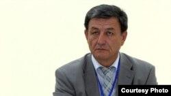 """Ўзбекистон """"Адолат"""" социал-демократик партиясининг янги раиси Наримон Умаров."""