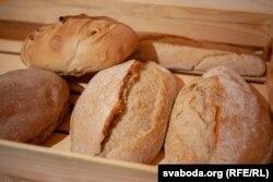 Хлеб пекара Ўладзімера Сьвірыдзенкі. Браслаў, 2018