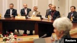 وندی شرمن نماینده آمریکا در ۱+۵ و مذاکرهکنندگان ایرانی