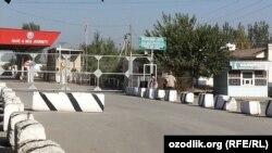 Пункт пропуска «Дустлик – автодорожный» на узбекско-кыргызской границе
