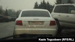 Автомобиль с новым номером, выданным в Шымкенте. Алматы, 16 января 2014 года.