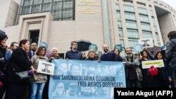 Protest ispred suda u Turskoj