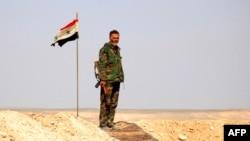 Солдат сирийской армии на подступах к Пальмире.