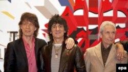 На Berlinale Мартин Скорсезе представит фильм Shine a light, рассказывающей о судьбе группы Rolling Stones. На премьеру приедут и сами музыканты Rolling Stones, сыгравшие в фильме самих себя