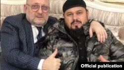 Министр ЧР по нацполитике Джамбулат Умаров и Абузайд Висмурадов, архивное фото