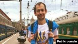 Кореспондент УНІАН в Росії Роман Цимбалюк пише, що вже дві години провів у поліцейському відділку