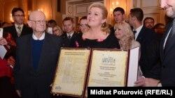 Kolinda Grabar Kitarović sa nagradom