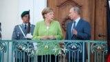 Ангела Меркель и Владимир Путин перед началом переговоров