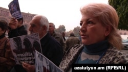 Armenia -- Land-owners of Artavaz village protest government decision to confiscate their lands, Yerevan, 22Nov2010