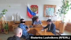 Член ОНК Артур Абашев ведет прием заключенных в ИК-6