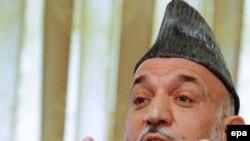 Президент Карзай быйылкы шайлоодо чоң чекилик кетирди - Залмай Халилзад