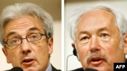 Germany/France -- Scientists Peter Grunberg (R) and Albert Fert, 16Apr2007