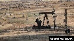 """""""Сирия демократиялық күштер"""" бақылауындағы мұнай кеніші. Шілде айы, 2017 жыл."""
