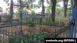 Брацкія пахаваньні тых, хто загінуў у бамбёжку 1943 году на Васкрасенскіх могілках