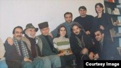 Tuncel Kurtiz Bakıda dostlarıyla birlikdə (2001-ci il)