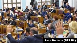 Gjatë një seance të parlamentit të Malit të Zi.
