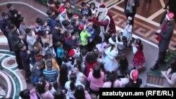 Սիրիահայ երեխաները Երևանում տոնում են Ամանորը, դեկտեմբեր, 2019թ.