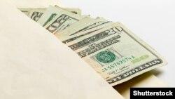 """Dollar satyn almakda """"täze çäklendirmeler""""."""