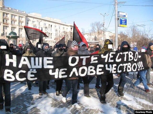 Антивоенное и антиармейское анархошествие 23 февраля 2007 года. В демонстрации участвовали 150 человек, шестеро были задержаны ОМОНом