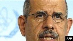 آقای البرادعی گفت که تهديد نظامی علیه ايران می تواند وضعيت را بدتر کند.