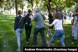 Кравченко розповів Радіо Свобода, що Гаранич вивів хлопця «на безпечну відстань, де він міг піти сам», не побоюючись нового нападу