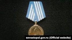 Влада Москви і Севастополя запустила загальноросійську акцію «Нахімовська стрічка»