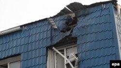 Ուկրաինա - Լեհաստանի հյուպատոսարանի՝ կրակոցների հետևանքով վնասված տանիքը, Լուցկ, 29-ը մարտի, 2017թ․