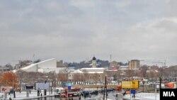 Pamje në Shkup, ku vërehen kisha dhe xhamia...