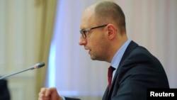 Ukrainanyň premýer-ministri Arseny Ýatsenýuk, Kiýew, 25-nji aprel, 2014.