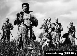 """""""7 samuray"""" filmindən kadr"""