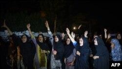 کراچۍ کې پر امام بارګاه تر برید ورستو د ښځو احتجاج. ۱۷م اکتوبر ۲۰۱۶