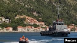 Brod Mornarice Vojske Crne Gore u Kotoru u toku vojne vježbe, arhivska fotografija