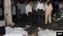 دو انفجار پنجشنبه شب مقابل در ورودی مسجد جامع زاهدان، تاکنون ۲۶ کشته و ۳۰۰ زخمی برجای گذاشته است.