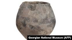Vasul ce conține urme de vin descoperit la Khramis Didi-Gora