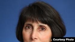 کارلین بومن می گوید:«بخش اصلی فعالیت ما در زمینه اقتصادی است»