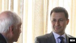 Премиерот Никола Груевски и посредникот Метју Нимиц.
